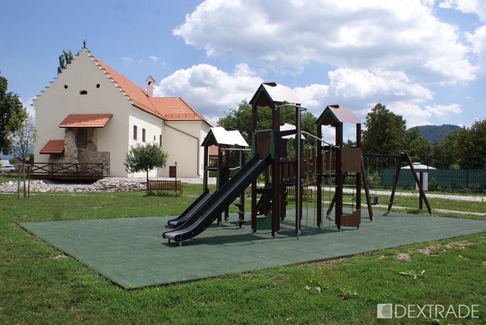 8ae7c177e Vodný hrad Šimonovany (Partizánske)